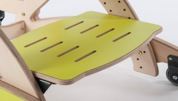 Fußbrett mit Schlitzen für Therapiestuhl Zoomi