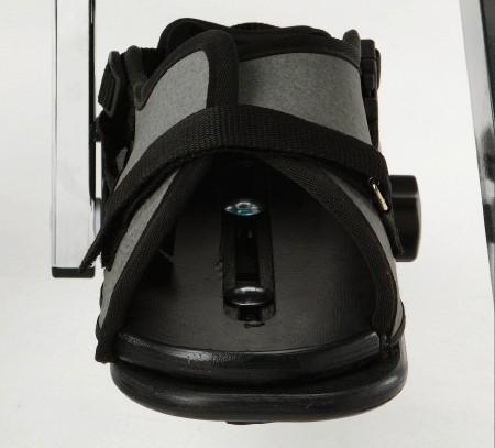 Cocoon-Sandale mit Klettverschluss